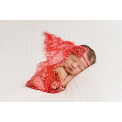 Rouge lucifer - écharpe à galons boules et broderie fleurs pailletées