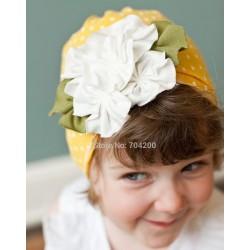 Bonnet fille en coton fin modèle jaune à pois