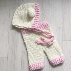 Ensemble pantalon et bonnet oreilles au crochet taille naissance modèle fille