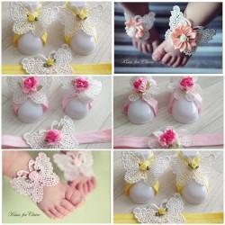 Ensemble couvres pieds+bandeau assortit modèle dentelle : coeurs, fleurs et papillons