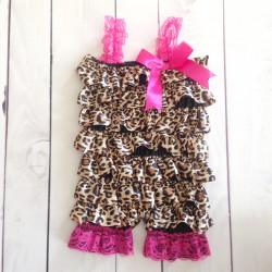 Salopette bébé en satin modèle léopard et pointe de fuchsia