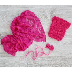 Composition fuchsia : Bonnet, bandeau et wrap dentelle