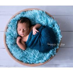 Pose bébé faux Flokati poils frisés, modèle bleu layette