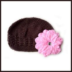 Chocolat - Rouge Bonnet + barrette fleur Pétunia  bébé 0 à 3 ans