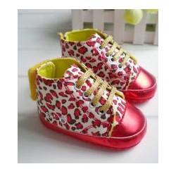 Chaussure absket souple montante bébé 0 à 12 mois, modèle Léopard Rouge