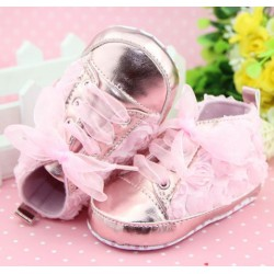 Chaussure souple basket montante bébé 0 à 12 mois, modèle Dentelle rose dragée