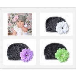 Bonnet au crochet 100% coton, couleur gris +barrette pétunia au choix