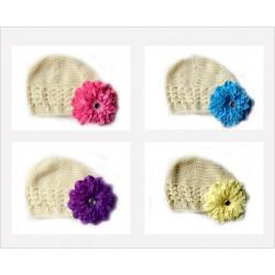 Bonnet au crochet 100% coton, couleur ivoire +barrette pétunia au choix