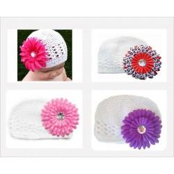 Bonnet au crochet 100% coton, couleur blanc+barrette marguerite au choix