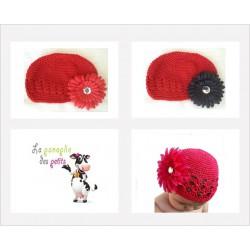 Bonnet au crochet 100% coton, couleur rouge+barrette marguerite au choix