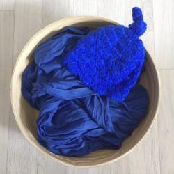 Bleu royal. Set wrap coton + bonnet séance photo new born