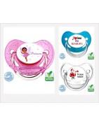boutique bébé proposant des sucettes de bébé, sucette personnalisée